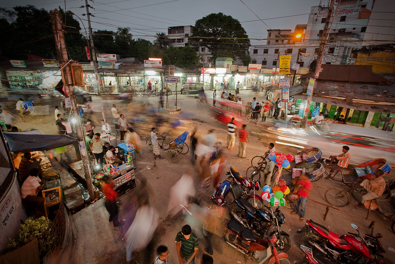 A short time-lapse photo of a Bangladeshi intersection.