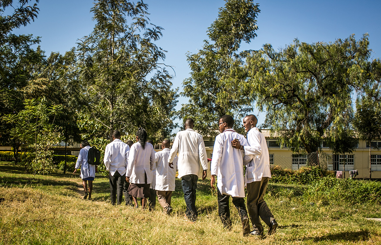 Medical students from Kenya work with medical residents and doctors from University of Washington in Naivasha, Kenya.