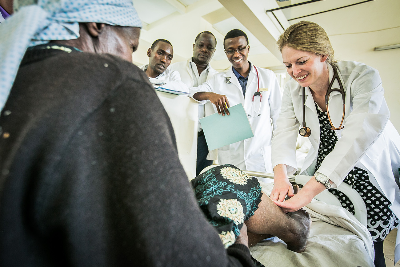Foot and lower-leg examination in Kenyan health clinic.